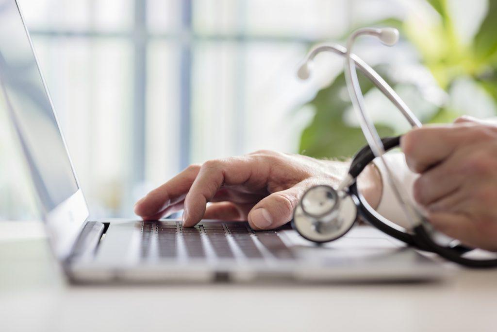 Softwares para gestão de consultório médico