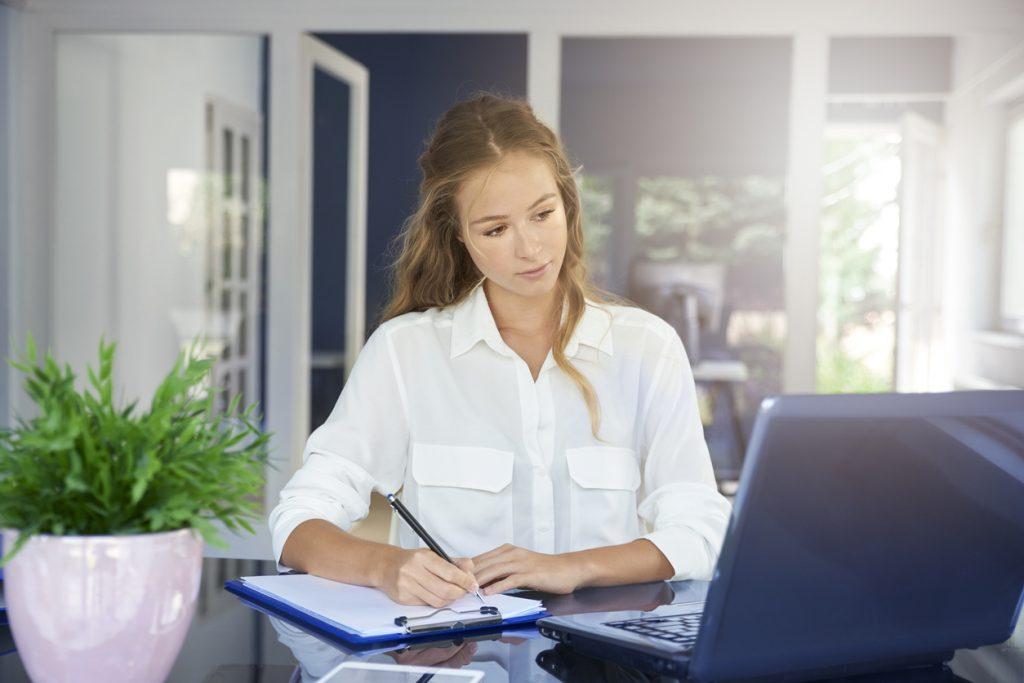 A sua secretária está retendo ou afastando pacientes?