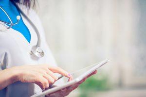 Software médico gratuito x software médico pago