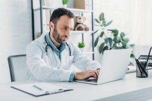 Como ser um médico empreendedor em 6 passos