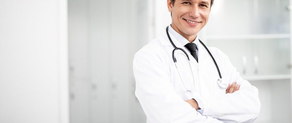 Redução de custos com software médico gratuito